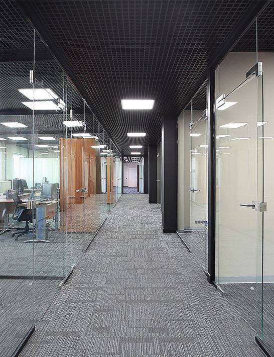 Монтаж пластиковых и алюминиевых офисных перегородок