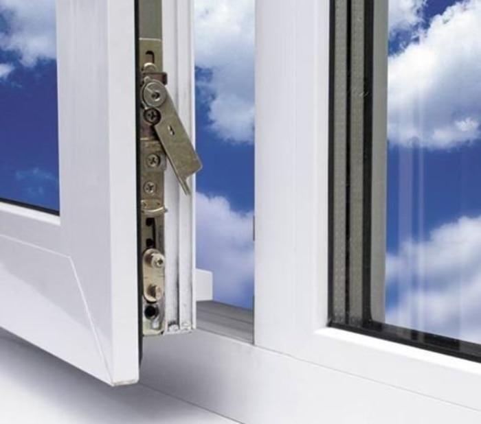 Причины, по которым возникает необходимость замены фурнитуры пластиковых окон
