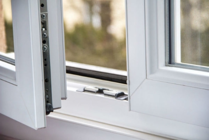 Основные причины обращения к мастеру по ремонту пластиковых окон.