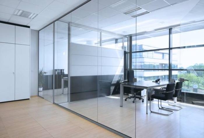 Виды стеклянных конструкций, устанавливаемых компанией «КИСЛОРОД»